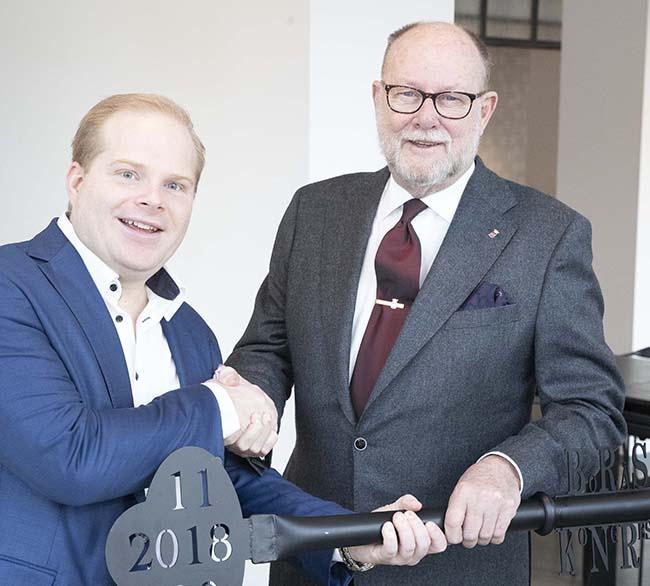 Överlämnar nyckeln till Borås Kongress